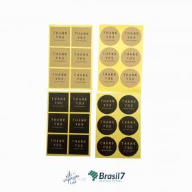 Adesivo em Papel Kraft 3x3 cm Kraft 80g 3x3 cm 4x0 impressão colorida frente Sem verniz Corte Especial, material entregue em folhas A3