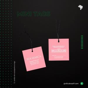 Mini TAGS EM COUCHE 4,5x5CM VERNIZ TOTAL FRENTE Couche 250g 4,5x5 cm 4x4 impressão colorida frente e verso verniz total frente Corte Reto
