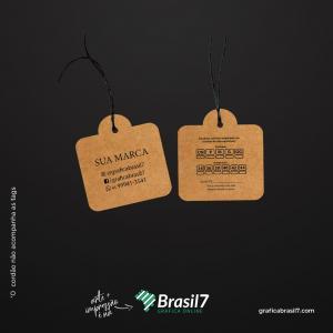 Tags em papel Kraft - Box 4,5x5cm Kraft 300g 4,5x5 cm 4x4 impressão colorida frente e verso Sem Verniz Furo 3 mm
