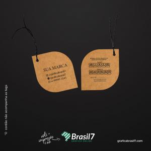 Tags em papel Kraft - Folha 4,5x5cm Kraft 300g 4,5x5 cm 4x4 impressão colorida frente e verso Sem Verniz Furo 3 mm